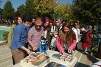 TÜRK KÜLTÜRÜ - Gazi Üniversitesinde Aşure İkramı