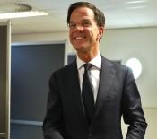 ŞAHIT - Hollanda'da Siyasette Üslup Yerlerde