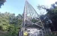 BAZ İSTASYONU - 150 metrelik baz istasyonuna tırmandılar