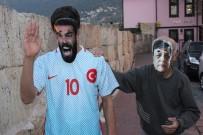 ARDA TURAN - Arda Turan'ı Sopayla Kovaladı