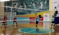 MEHMET KANCA - Şehit Ömer Halisdemir Ortaokulu Voleybolda Şampiyon Oldu