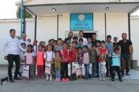 İLKOKUL ÖĞRENCİSİ - Üniversite Öğrencisinden Köy Okuluna Yardım