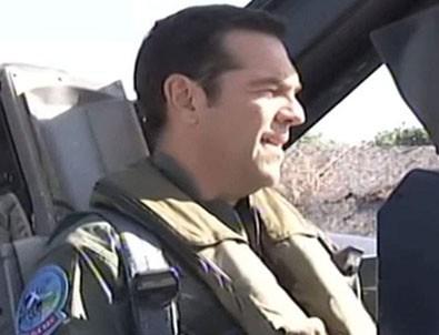 Yunan Başbakanı Çipras F-16 ile Ege'de uçtu!