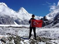 TEOMAN - 7 Bin 10 Metrede Türk Bayrağı'nı Dalgalandırdı