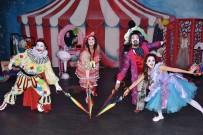 SIVAS DEVLET TIYATROSU - Alanya Belediye Tiyatrosu Seyirciyle Buluşuyor