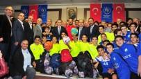 GENÇLIK SPOR GENEL MÜDÜRÜ - Amatör Kulüplere Malzeme Dağıtımı Başladı