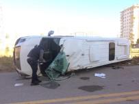 Başkent'te Öğrenci Servisi Yan Yattı Açıklaması 4 Yaralı