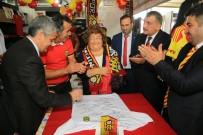 SELAHATTIN GÜRKAN - Battalgazi Belediyesinin Standı Yoğun İlgi Görüyor