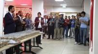KOCAELI ÜNIVERSITESI - İzmit Belediyesi, Öğrenci Yurdunda Aşure Dağıttı