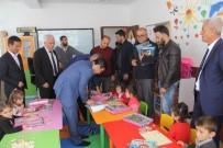 Kaymakam Öztürk'ten Minik Öğrencilere Hediye