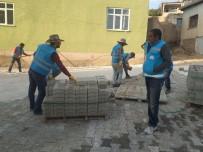 Kıratlı Mahallesi'nde Yol Yapım Çalışması