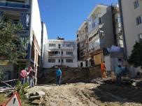 Kuşadası'nda Zemini Kayan Evlerdeki Tehlike Sürüyor
