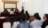 MAHKEME HEYETİ - Mersin'deki Darbe Girişimi Davasında 2 Sanığa Tahliye