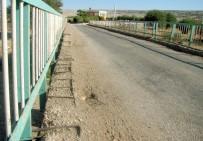 YENIYURT - Tehlike Saçan Köprü Yenilenmeyi Bekliyor