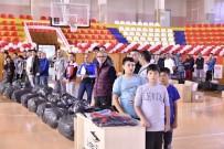 MİLLİ SPORCU - Tokat'ta Spor Kulüplerine Malzeme Desteği