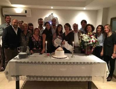 Yeşim Salkım'ın kızı Gizem nişanlandı