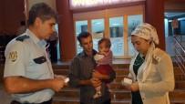 İLAÇ PARASI - Yufkacı Kadının Yolda Bulduğu Para Sahibine Teslim Edildi