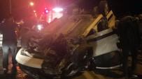 YARALI KADIN - Adana'da Zincirleme Trafik Kazası Açıklaması 2 Yaralı