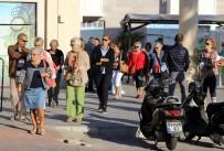 JOURNEY - Amerikalı Turistler Türkiye'ye Giriş Yaptı