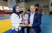 OSMAN VAROL - Başarılı Sporculara Ödülleri Verildi