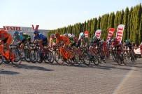 TEZAHÜRAT - Bisikletçiler Manisa'dan Geçti