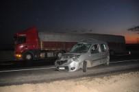 ŞERAFETTIN ELÇI - Cizre'de Tır İle Kamyonet Çarpıştı Açıklaması 5 Yaralı