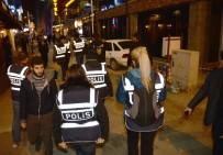 SOSYAL GÜVENLIK KURUMU - Eskişehir'de 400 Polis Asayiş Uygulaması Yaptı