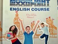 ÖĞRENCİ VELİSİ - 'Haç' İşaretli Ders Kitabı Velilerin Tepkisini Çekti