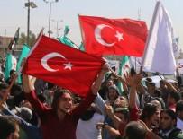 ÖZGÜR SURİYE ORDUSU - İdlib'e intikal eden TSK'ya Türk bayraklı destek