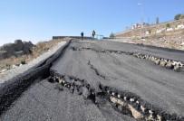 TOPLU KONUT - Kars'ta, Çöken Yol Trafiğe Kapatıldı