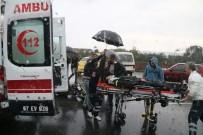 Kavşakta Kaza Açıklaması 2 Yaralı
