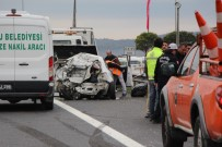 ELMALıK - Otomobil Hurdaya Döndü Açıklaması 1 Ölü, 3 Yaralı