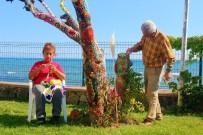 ERİK AĞACI - Emekli Öğretmen Çift Kuruyan Ağaçlarını Aşklarıyla Süslediler