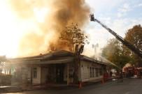 RUMELI HISARı - Tarihi Rumeli Hisarı İskelesi'nde Yangın