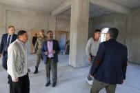 CAMİİ - Varto Kaymakamı Ve Belediye Başkan Vekili Çetin,  Yeni Mahalle Cami Ve Taziye Evinde Çalışmaları İnceledi