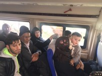 KAÇAK GÖÇMEN - Çanakkale'de 23 Afgan Kaçak Yakalandı