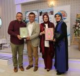 KURAN-ı KERIM - Taşçı Hacılarla Buluştu Açıklaması Kur'an Ve Türk Bayrağı Hediye Etti