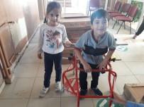 ARAŞTIRMA MERKEZİ - Yürüme Engelli Minik Barış'a El Ayak Oldular
