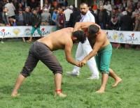 PARA ÖDÜLÜ - Yusufeli'nde 68. Geleneksel Karakucak Güreşleri Gerçekleştirildi