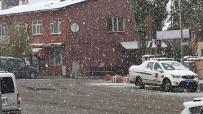 KAR YAĞıŞı - Ardahan'da Kar Sürprizi