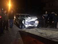 Kamyonet İle Otomobil Çarpıştı Açıklaması 1 Yaralı