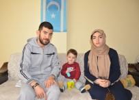 VATANDAŞLıK - Türkmen Aile Türk Kimlikleri Olmadığı İçin Engelli Bebeklerini Tedavi Ettiremiyor