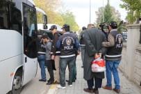 ÇALINTI ARAÇ - Sakarya'da Oto Hırsızlığı Çetesi Çökertildi