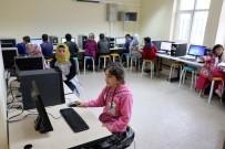 İMAM HATİP - Yozgat'ta Köy Okullarına Teknoloji Sınıfı Kurulmaya Devam Ediyor