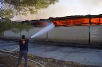 YENIKENT - Adıyaman'da Eski Tekel Depolarında Yangın