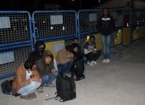 PAKISTAN - 'Asker' Bileti Kesilen Yolcular Kaçak Göçmen Çıktı