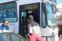 EGE DENIZI - Ayvalık'ta 54 Kaçak Yakalandı
