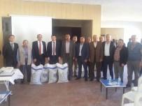 MUSTAFA ÇALIŞKAN - Çavdarhisar'da 31 Çiftçiye Macar Fiği Tohumu Dağıtıldı