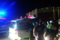 TİCARİ ARAÇ - Elazığ'da Trafik Kazası Açıklaması 1 Ölü