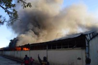 YENIKENT - Eski Tekel Deposunda Korkutan Yangın